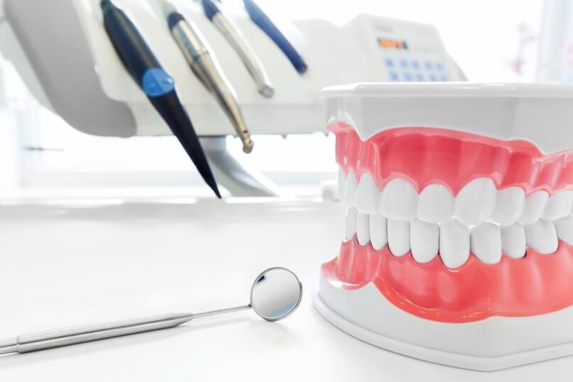 Протезирование зубов: консультация стоматолога-ортопеда